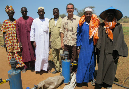 Senegalese farmers learning how to install the Tipa irrigation kit. Photo courtesy of MASHAV