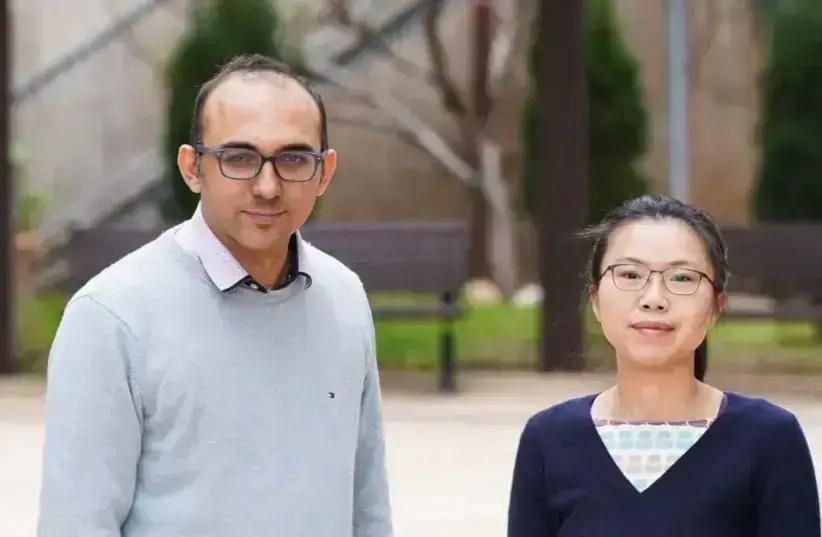 L-R: Assistant Professor Ramez Daniel and Dr. Ximing Li (photo credit: RAMI SHLUSH / TECHNION)