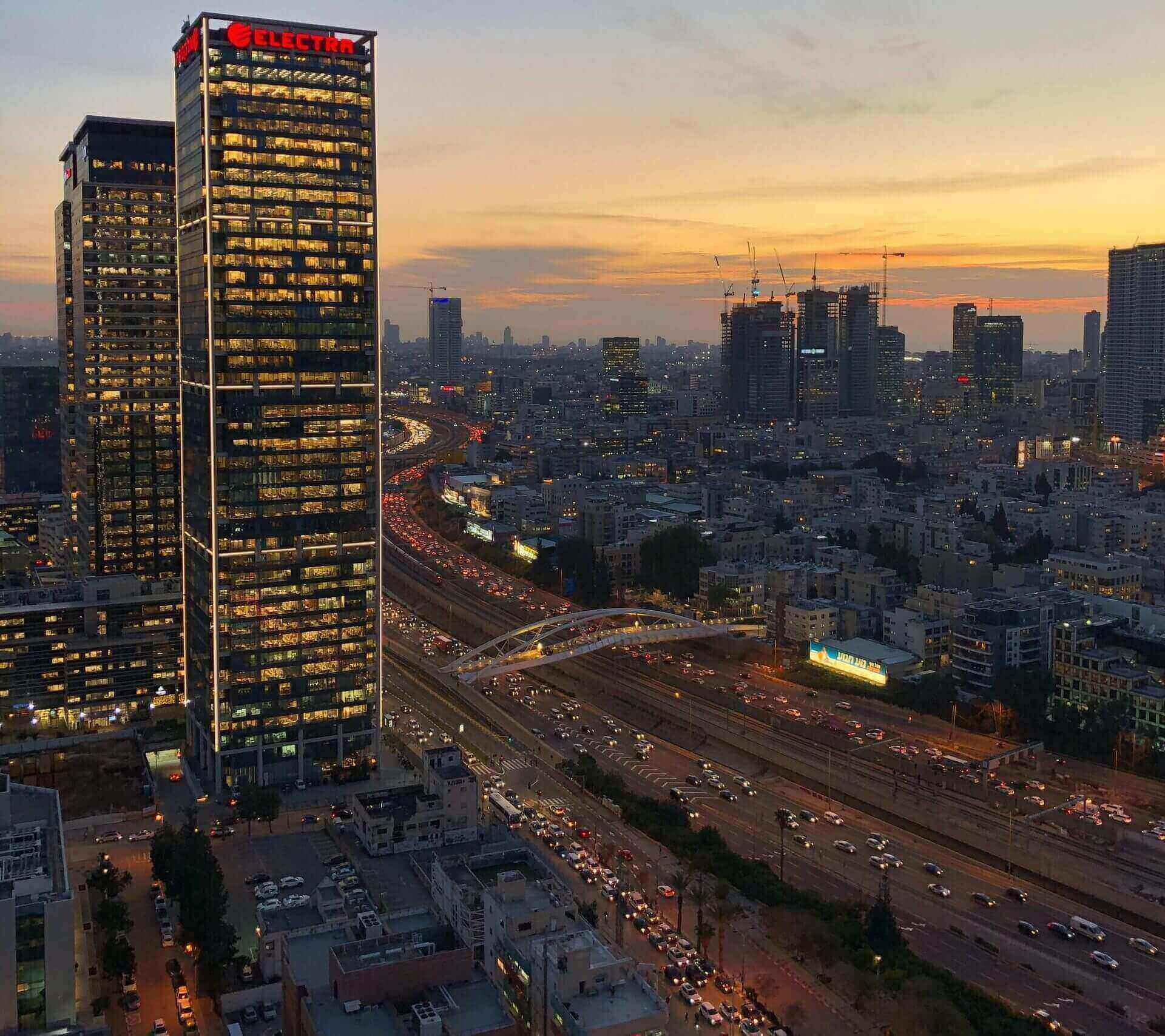 Traffic on Hashalom road in Tel Aviv, Israel. Photo by juliana souza on Unsplash